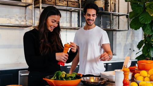 Τσικνοπέμπτη με λαχανιΧΑΧΑΧΑ: Τι να κάνεις αν η κοπέλα σου είναι vegan