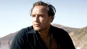 Πώς να ντυθείς σαν τον Marlon Brando