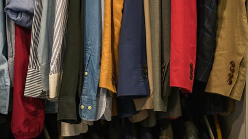 4 tips για να μειώσεις τα λεφτά που χαλάς σε ρούχα