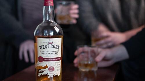 Ουίσκι: Τα West Cork IPA Cask και Stout Cask βάζουν τέλος στο δίλημμα ουίσκι ή μπίρα