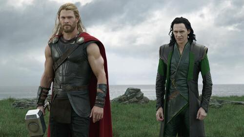 Chris Hemsworth: Πώς θα κάνεις τα χέρια του Thor χωρίς να πας γυμναστήριο