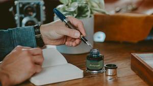 Luxury Desk: Μερικά εργαλεία για να κάνεις το γράψιμο απόλαυση