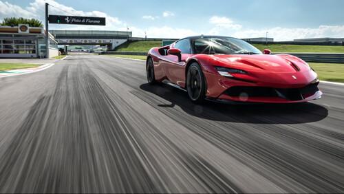 Ferrari: Το 2025 θα δούμε την πρώτη αμιγώς ηλεκτροκίνητη