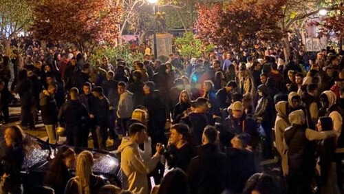 Κορονοϊός: Εικόνα απόλυτης διάλυσης και παράνοιας