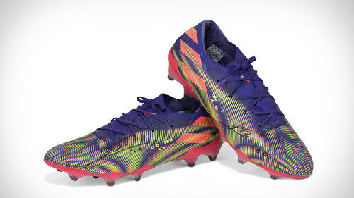 Messi: Τα παπούτσια των ρεκόρ βγαίνουν σε δημοπρασία
