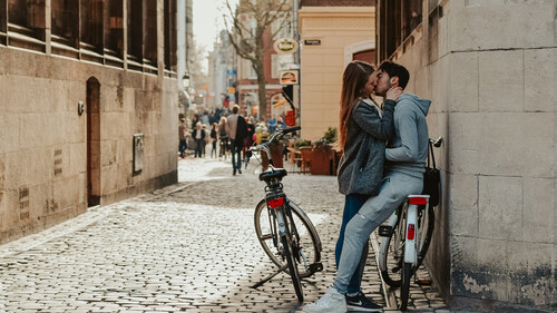 Έρευνα: Πρωταθλητές στο σεξ οι Έλληνες