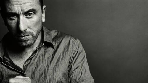Tim Roth: Ο άνθρωπος που μας έκανε να εκτιμήσουμε ξανά την cool εφευρετικότητα