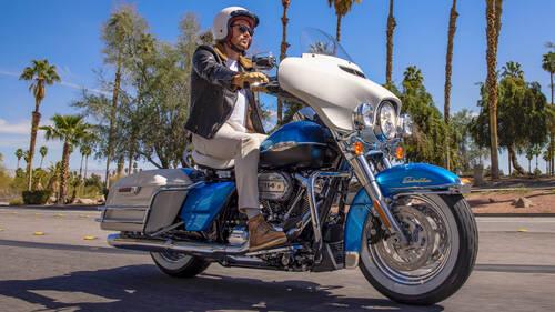 H Harley-Davidson Electra Glide Revival έρχεται μαζί με ένα εισιτήριο για τα '60s