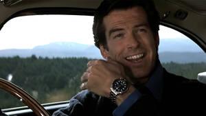 O Pierce Brosnan ξέρει πως να σου μιλήσει για το χρόνο