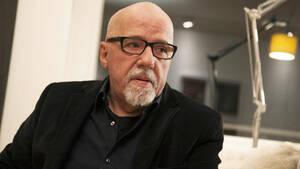 Paulo Coelho: O άνθρωπος που έκανε την αυτοβελτίωση χάπι για τον πονοκέφαλο