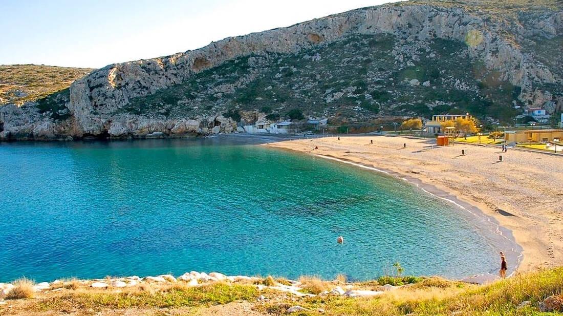 Ποιος είπε ότι η Αττική δεν διαθέτει εξωτικές παραλίες;