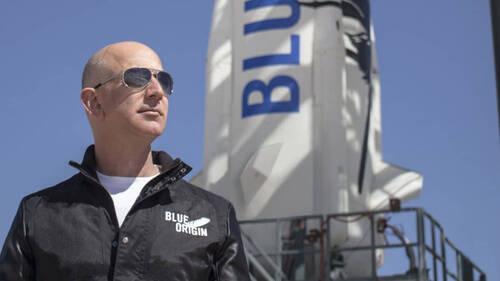 Στο διάστημα μεταφέρεται η κόντρα του Jeff Bezos με τον Elon Musk