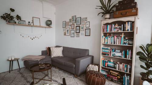 Ιδέες που θα κάνουν το σαλόνι σου ένα σωστό αντρικό περιβάλλον