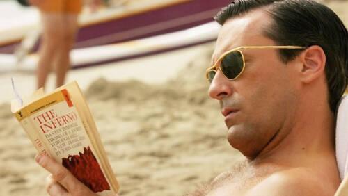 Σαν την απόλαυση του βιβλίου στην παραλία άλλη δεν έχει