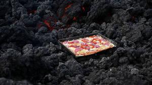 Η πίτσα που ψήνεται σε ηφαίστειο δεν κάνει για καντίνες
