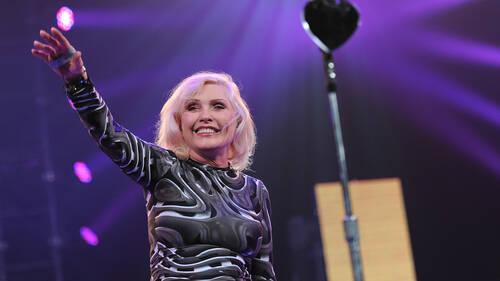 Debbie Harry: Η γυναίκα που επιβίωσε στον σκληρό κόσμο του rock and roll
