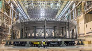 Ο ισχυρότερος μαγνήτης του κόσμου σηκώνει αεροπλανοφόρο σε στυλ Fast & Furious