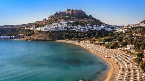 Τα ελληνικά νησιά όπου τα κρούσματα του Covid-19 αυξάνονται συνέχεια