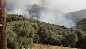 Φωτιά στα Χανιά: Ανεξέλεγκτη η πυρκαγιά στο Κακοδίκι - Εκκενώθηκαν τρεις οικισμοί