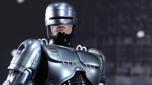RoboCop: Η ταινία που σατίρισε με ωμή βία το μέλλον