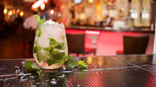 Τα cocktail που θα κάνουν λίγο πιο δροσερό το καλοκαίρι σου