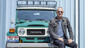 Το Land Cruiser του Tom Hanks είναι το τέλειο όχημα για την Αντίπαρο