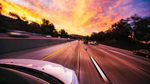 Καπνός και στάχτη: Τι πρέπει να προσέξουμε αν πρέπει να κινηθούμε με αυτοκίνητο