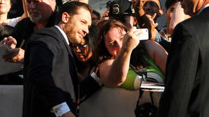 Tom Hardy: «Συνελήφθη» για μια selfie