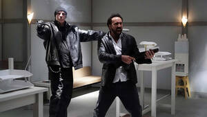 Στη νέα του ταινία ο Nicolas Cage φοράει μια ολόσωμη δερμάτινη φόρμα ζωσμένη με εκρηκτικά