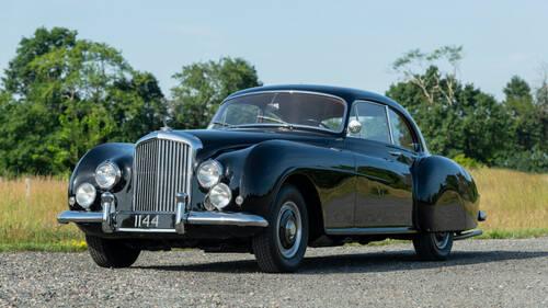 Η Bentley R-Type Continental ήταν το αυθεντικό Bond car