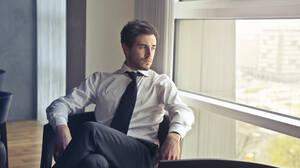 Έρευνα: Κινδυνεύει η υγεία σου από τη γραβάτα;