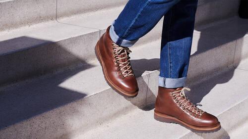 Ακόμα αναρωτιέσαι τι παπούτσια να φορέσεις με το jean σου;