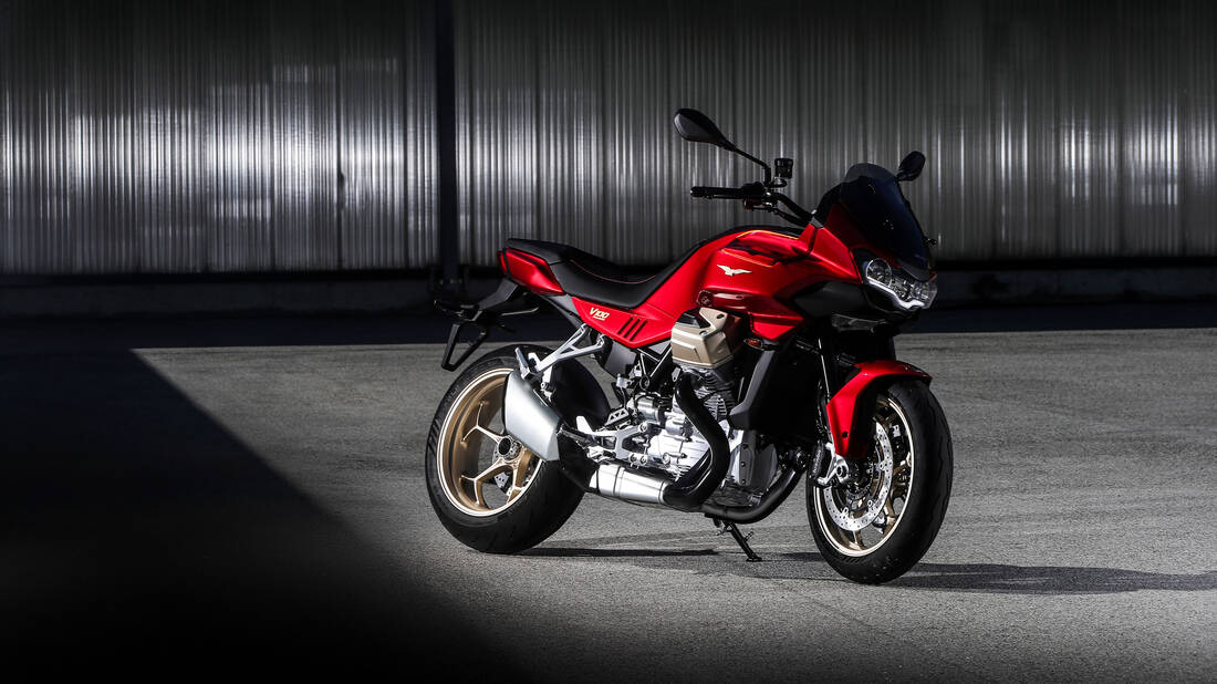H Moto Guzzi μπαίνει επιτέλους στη νέα εποχή με το V100 Mandello