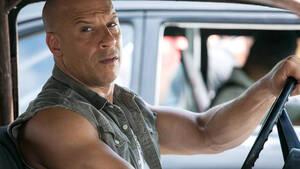 Πού πήγαν άραγε οι φημισμένοι κοιλιακοί του Vin Diesel;