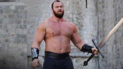 O Mountain του Game Of Thrones βγάζει το πρώτο του νοκ άουτ στο ρινγκ