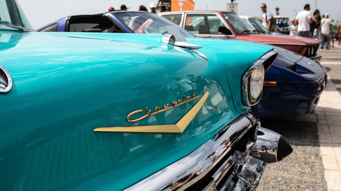 Alimos Classic Car Sunday: Αειθαλείς τετράτροχες κυρίες μας ταξίδεψαν νοσταλγικά στον χρόνο