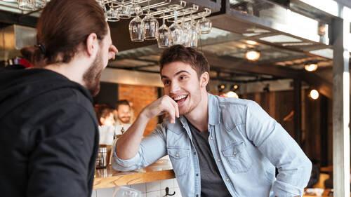 Aperitivo occasion σημαίνει να βρίσκεις τον κολλητό σου και να συζητάτε παρέα με το σωστό gin!