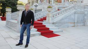 Daniel Craig: Πώς κατάφερε να σώσει το αντρικό στυλ