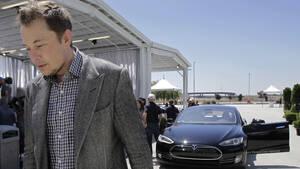 Ο Elon Musk χαρίζει τη μισή του περιουσία σε φιλανθρωπίες