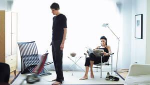Γιατί ερεθίζουν τις γυναίκες οι άντρες που κάνουν τις δουλειές του σπιτιού;