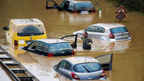 Πώς να αποζημιωθείς για το πλημμυρισμένο σου αυτοκίνητο