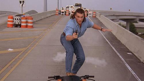 Στο Hard Target  ο Van Damme έκανε το χειρότερο μαλλί του κόσμου